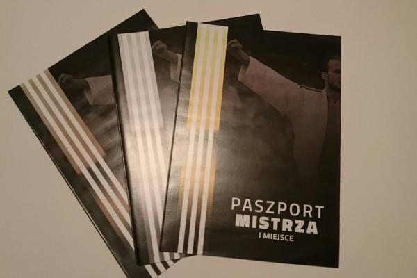 paszportmistrza0FA0E0B9-4CF7-62B1-9BB9-62BFE7E48D84.jpg